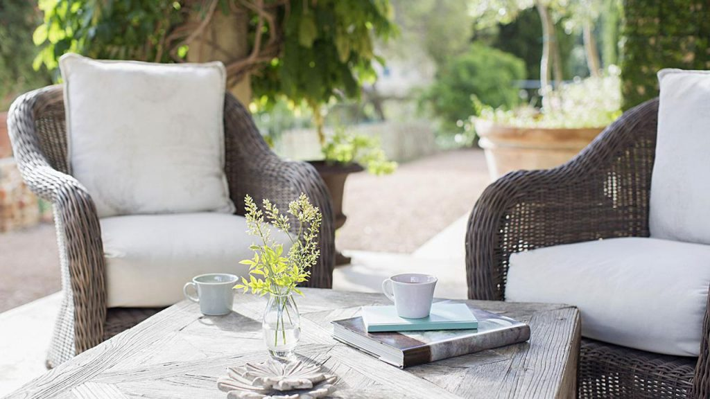 Smart Tips When Buying Outdoor Furniture